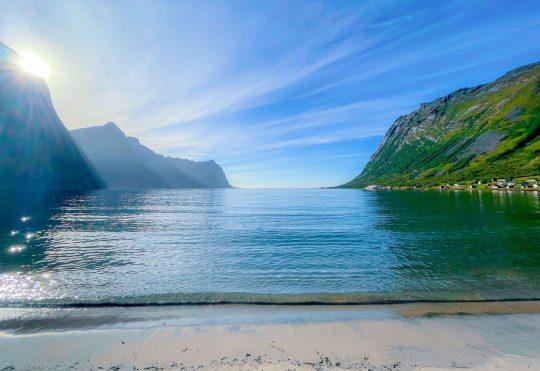 Rantamaisemaa Steinfjordissa.
