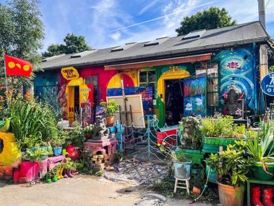 Värikäs talo Christianian vapaakaupungissa.