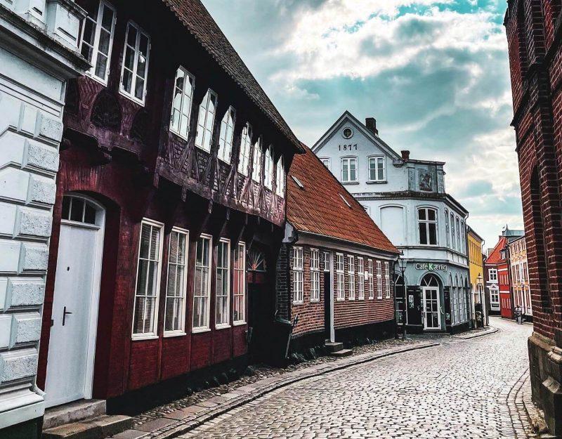 Keskiaikaisen Ribe-kaupungin katuja.